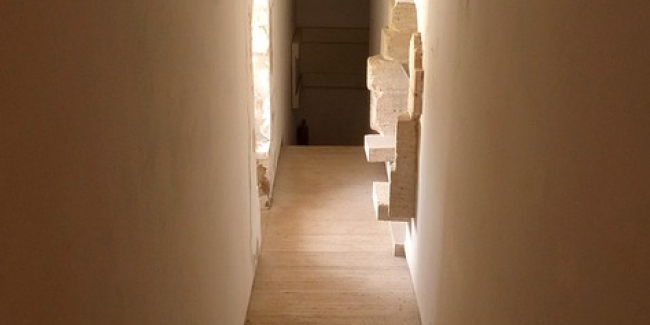 10 id es de d coration pour embellir un couloir sombre troit ou long. Black Bedroom Furniture Sets. Home Design Ideas