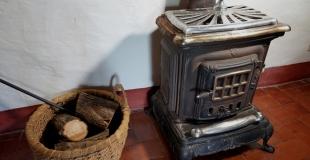 Poêle a bois ou poêle à granulés : quelles différences ? Comment choisir ?