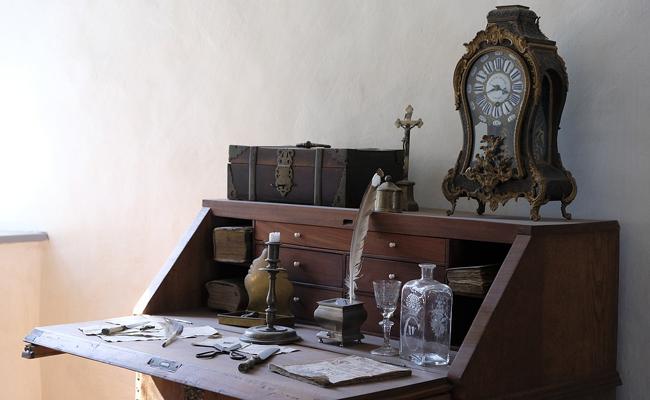 secrétaire avec tiroir secret