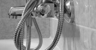 Flexible de douche : les différentes sortes et comment le changer ?