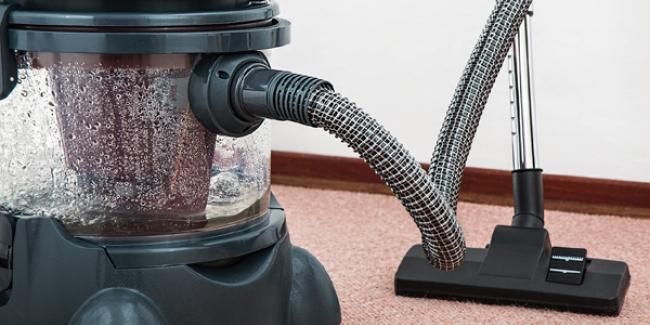 trucs et astuces pour nettoyer et d tacher un vieux tapis. Black Bedroom Furniture Sets. Home Design Ideas