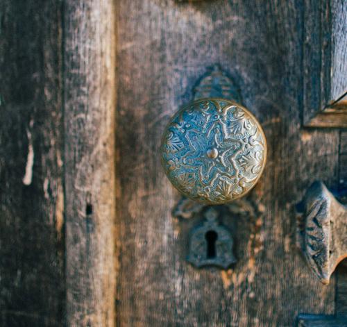 Changer une poign e de porte comment en acheter une for Poignees de porte anciennes laiton